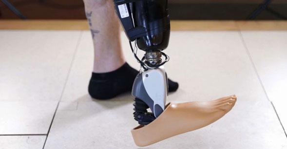 Los-brazos-y-piernas-robóticas-con-sensores-controlados-por-la-mente-ya-son-una-realidad-1