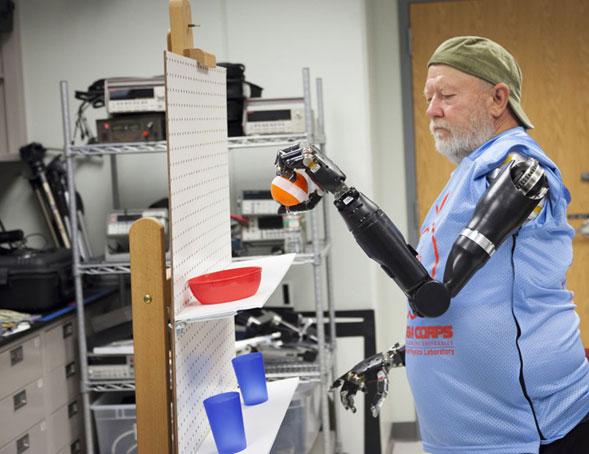 Los-brazos-y-piernas-robóticas-con-sensores-controlados-por-la-mente-ya-son-una-realidad-3