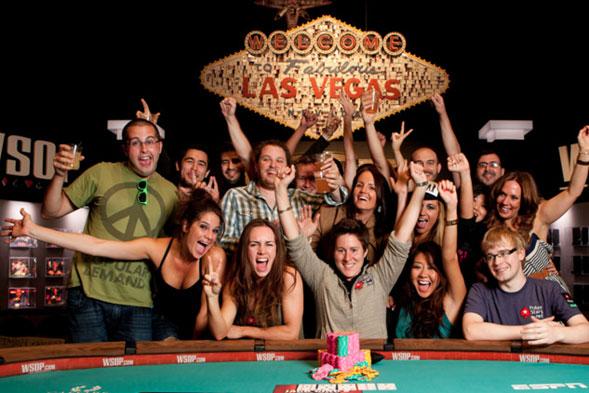 Con-33-años-es-la-mejor-jugadora-de-Poker-del-mundo-03
