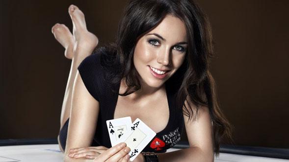 Liv-Boeree-modelo-presentadora-y-estrella-del-Poker-03