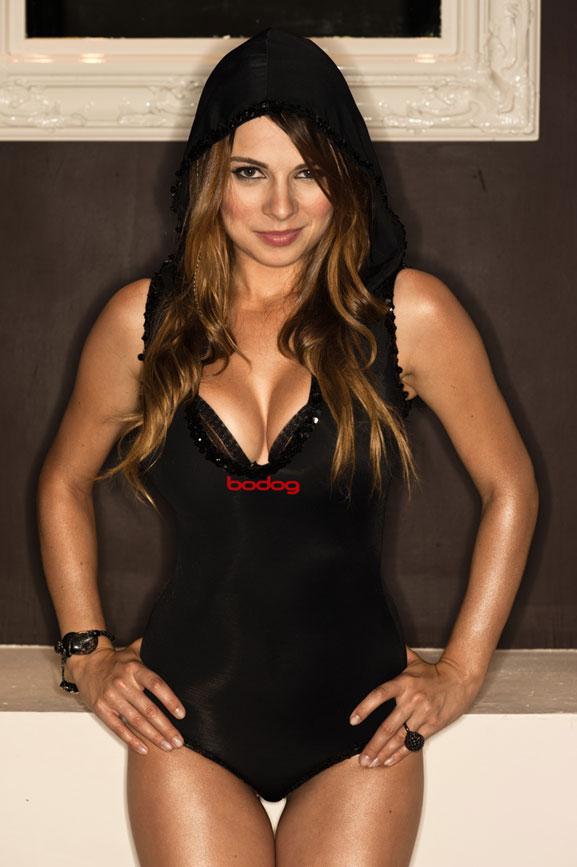 Una-de-las-jugadoras-de-Poker-mas-sexys-del-mundo-01