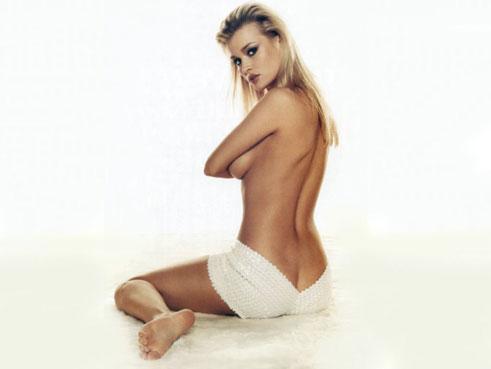 Modelo-actriz-y-jugadora-de-Poker--toda-una-diva-03