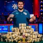 Nuevo-campeon-del-mundo-en-la-World-Series-of-Poker-2017-01