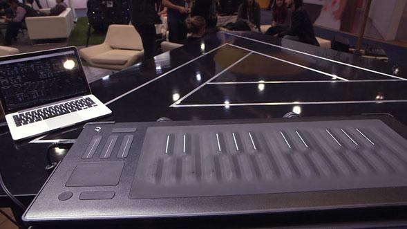 Conoce-el-nuevo-piano-keyboard-multi-touch
