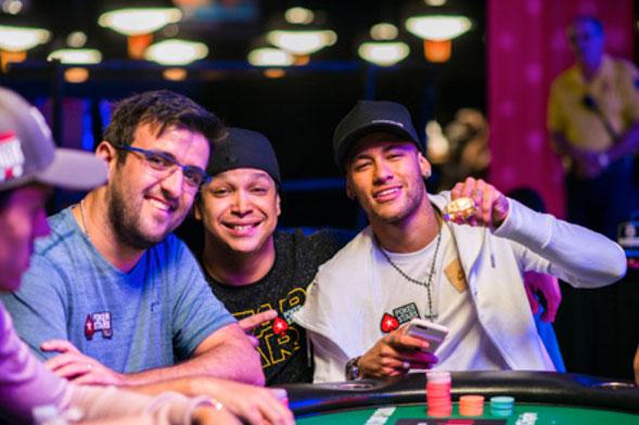 El-poker-y-su-lado-solidario-04