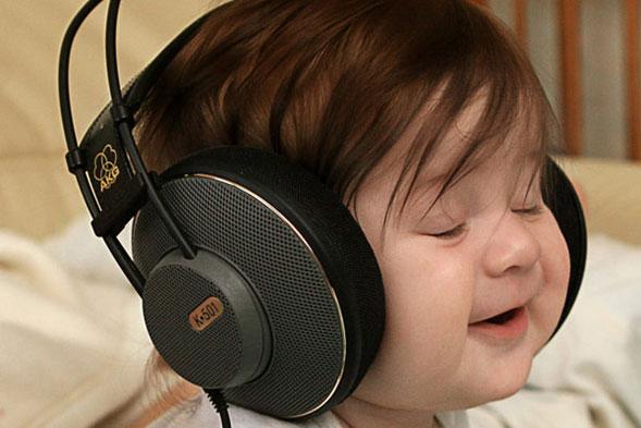 Escuchar-musica-alegre-alimenta-la-creatividad-03
