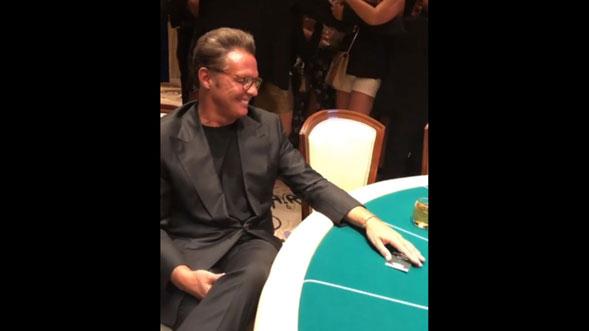 Luis-Miguel-aparece-en-casino-de-Las-Vegas