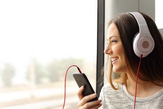 La música distrae o potencia la creatividad
