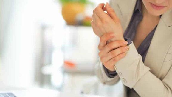 personas con enfermedades de huesos o musculares pierden mas sus trabajos