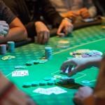 como dominar torneos locales de póker