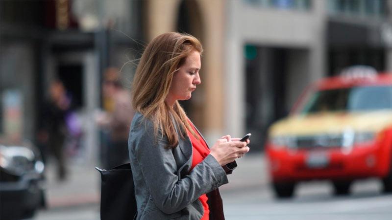 lesiones en la cabeza y el cuello causa el uso del teléfono